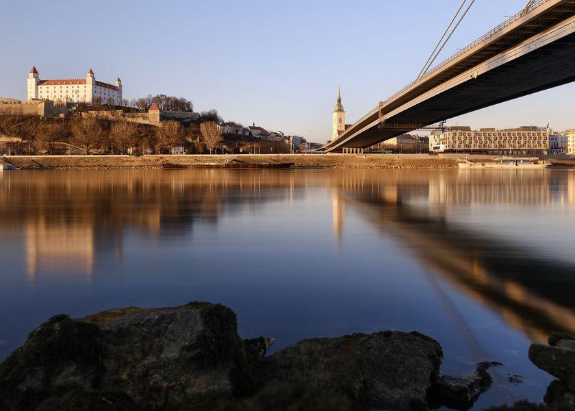 Bratislava - Header